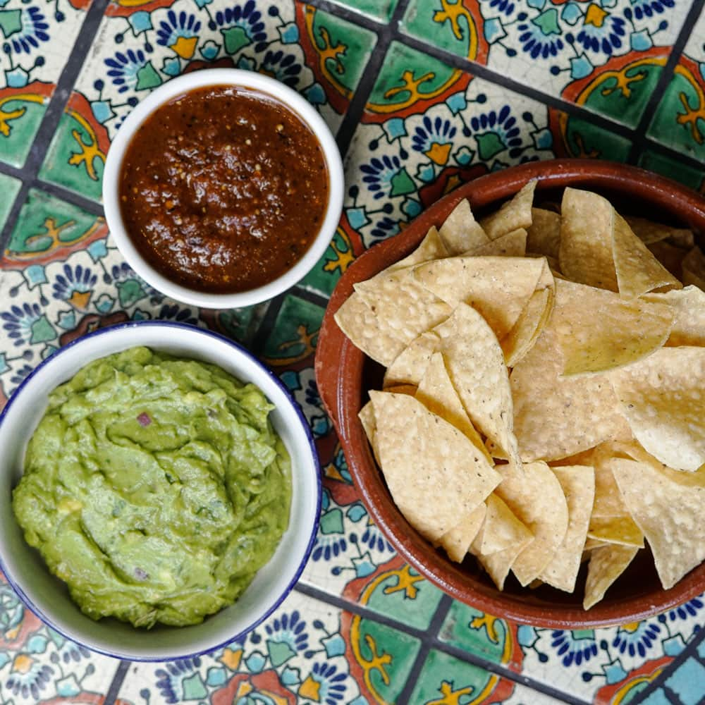 Guacamole, Chips & Salsa
